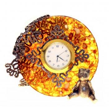 Часы вологодские кружева из янтаря