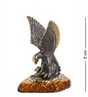 Am-1241 фигурка орел со змеёй (латунь, янтарь)