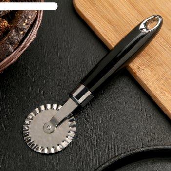 Нож для пиццы и теста скина ребристый, цвет черный