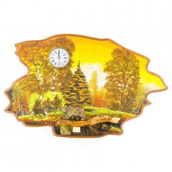 Часы с картиной медведь идет осень 50х32 см