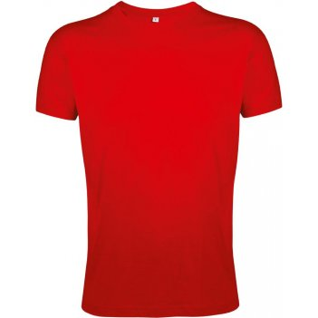 красные футболки