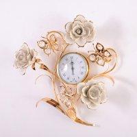 Часы настенные розы и бабочки высота=34 см.диаме...
