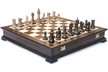 Шахматы ручной работы, доска из ореха, фигуры из дуба, 44х44см