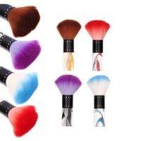 Кисть для макияжа округлая, цвета микс