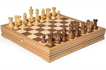Шахматы элитные дервянные утяжеленные в ларце 37х37 (3,25)