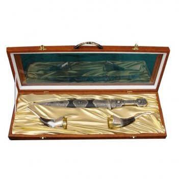 Подарочный набор кавказ 1 (кинжал + 2 рога) (вставка с ка...