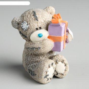 Сувенир полистоун медвежонок me to you с подарком 6,5х7 см