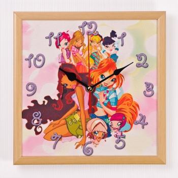 Настенные часы winx