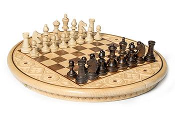 Шахматы резные рубин светлые (35х35см)