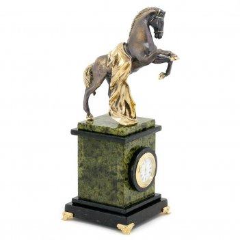 Часы конь с попоной камень змеевик