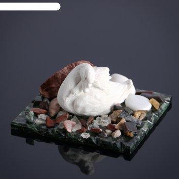 Сувенир лебедь с лебеденком, змеевик, мрамор