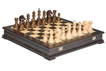 Эксклюзивные резные шахматы мустанг венера, орех, клен 50см