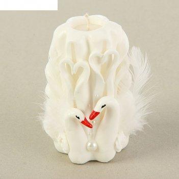 Свеча резная 10-11смлебеди белая
