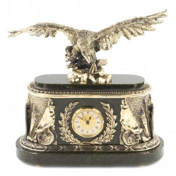 Часы орел нефрит 315х155х315 мм