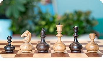 Шахматные фигуры woodgame, дуб и мореный дуб