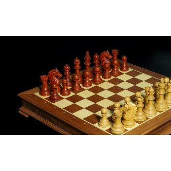 Эксклюзивные резные шахматы, фигуры падук-мовингу, доска махагон 50см