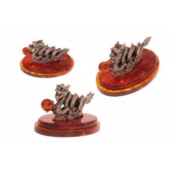 Сувенир морской дракон из янтаря