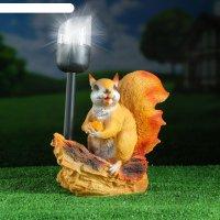 Садовый фонарь белка с орешком под фонарем 24х24см