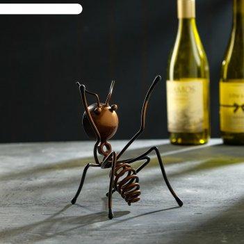Подставка для бутылки муравей