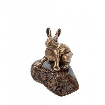 Am-300 фигурка заяц мал. (латунь, янтарь нат.)