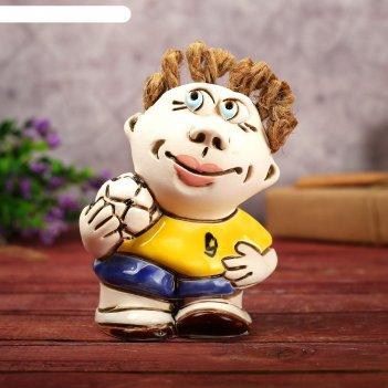 Статуэтка мальчик с мячом 13 см микс, ручная работа