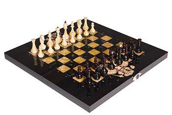 Шахматы из янтаря герб рф, мореный дуб, янтарь, 56х56см