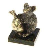 Сувенир мышь с мешком, из бронзы на подставке из змеевика