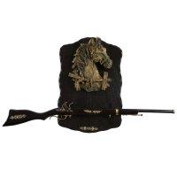Сувенирное изделие ружье на планшете с крупным накладным элементом конь