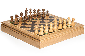Шахматы классические, доска дуб 45х45, фигуры самшит и палисандр 8,3см