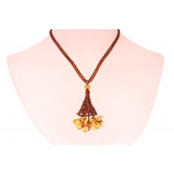 Плетеный кулон из натурального янтаря и бисера