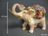 Статуэтка слон с цветами высота=32 см карт.уп