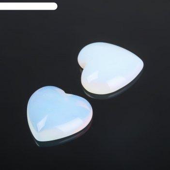 Кабошон лунный камень сердце 20*20мм (набор 2шт)