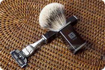 Комплект для бритья mach 3 черное дерево мадагаскар titan 1918