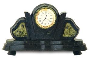 Настольные часы летучая мышь камень змеевик арт.3145
