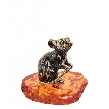 Am-1669 фигурка мышонок трусишка (латунь, янтарь)
