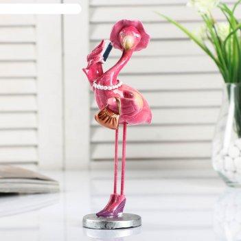 Сувенир полистоун лак фламинго в шляпке с телефоном и сумочкой 20,5х9,5х6