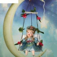 Кукла коллекционная маленькая дея на качели