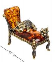Am-1557 фигурка кот и мышь на кушетке (латунь, янтарь)