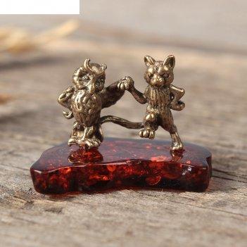 Сувенир из латуни и янтаря сова с котом