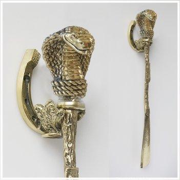 Ложка для обуви кобра