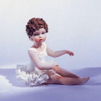 Carolyn  (170)  фарфоровая статуэтка  h. 17см