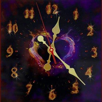 Картина сваровски - часы пламенное сердце