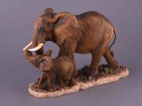 Фигурка слон со слонёнком высота=26 см длина=38 ...