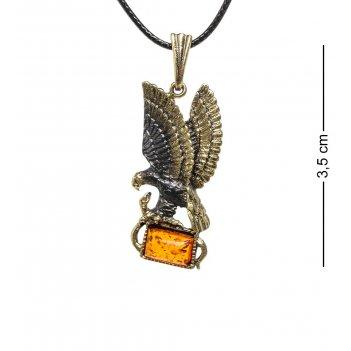 Am-1741 подвеска орел со змеей (латунь, янтарь)