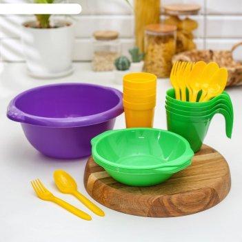 Набор посуды праздничный: 4 стакана, 4 кружки, 4 тарелки, миска 3,5 л, 4 в