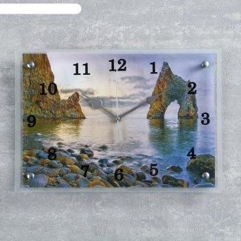 Часы настенные прямоугольные скала-врата у берега моря, 25х35 см