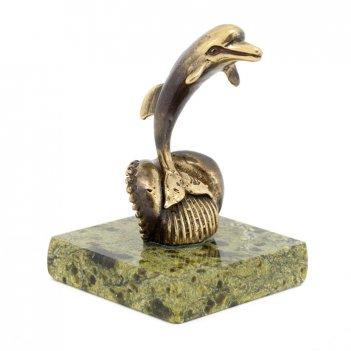 Статуэтка дельфин на волне бронза змеевик