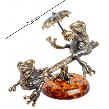 Am-1094 фигурка лягушки на качелях (латунь, янтарь)