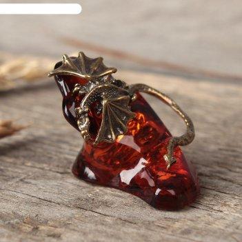 Сувенир из латуни и янтаря дракон