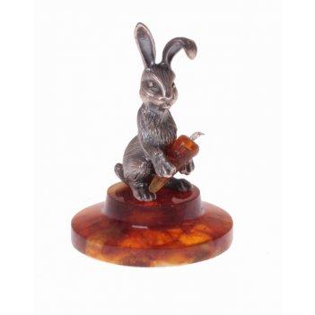 Сувенир веселый кролик с морковкой